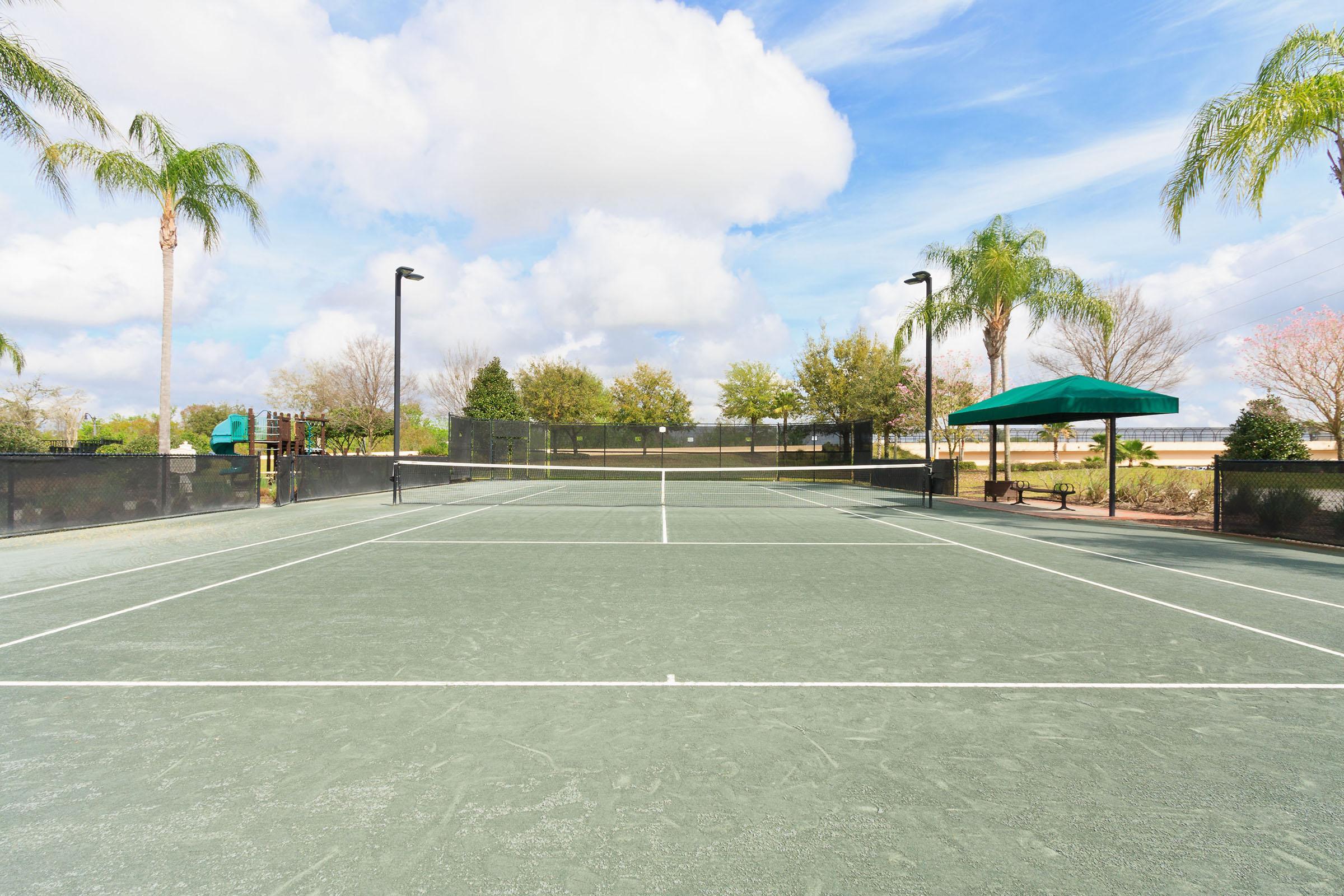Center-Court-Tennis